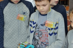 Мелешкин Кирилл и Быков Дмитрий со своим танцующим роботом