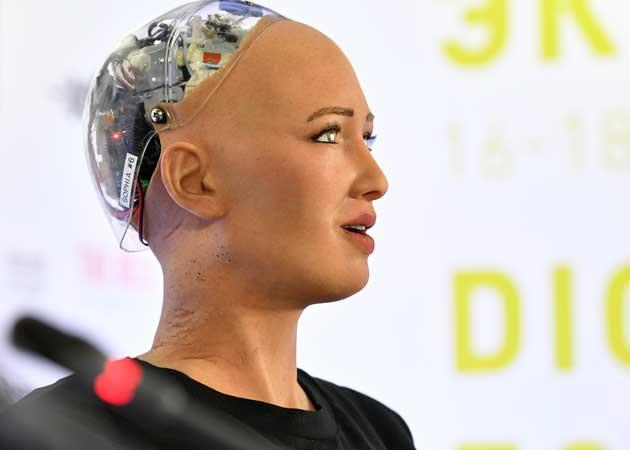 Робот-гуманоид София обещает людям лучший мир